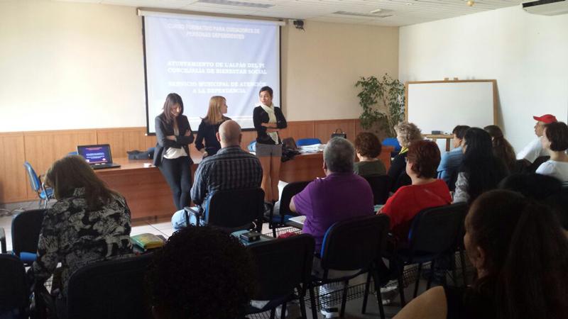 La concejalía de Bienestar Social imparte un curso para los cuidadores de personas dependientes