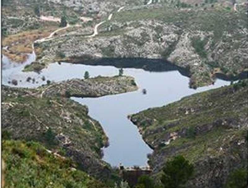 Los parajes de Relleu y el pantano de Amadorio  destino de  la caminata organizada por la FENWA y la concejalía de deportes para este sábado 25 Octubre.
