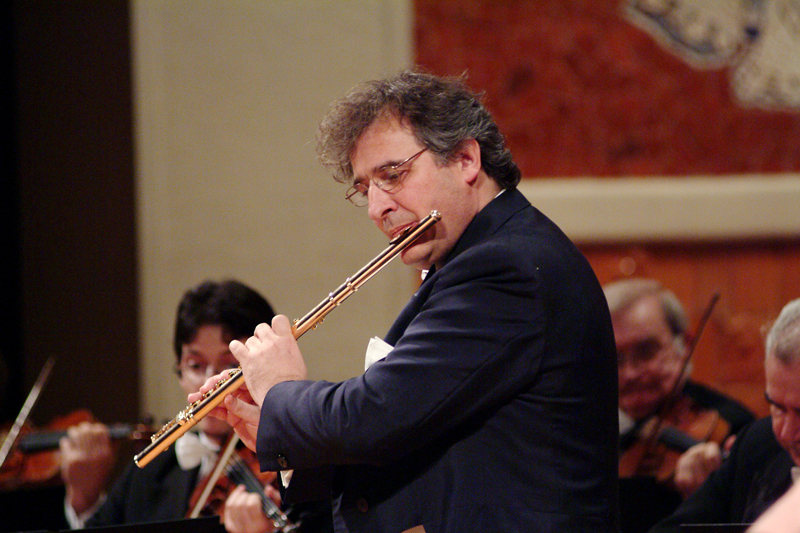 El prestigioso flautista Claudi Arimany actúa este sábado en la casa de cultura