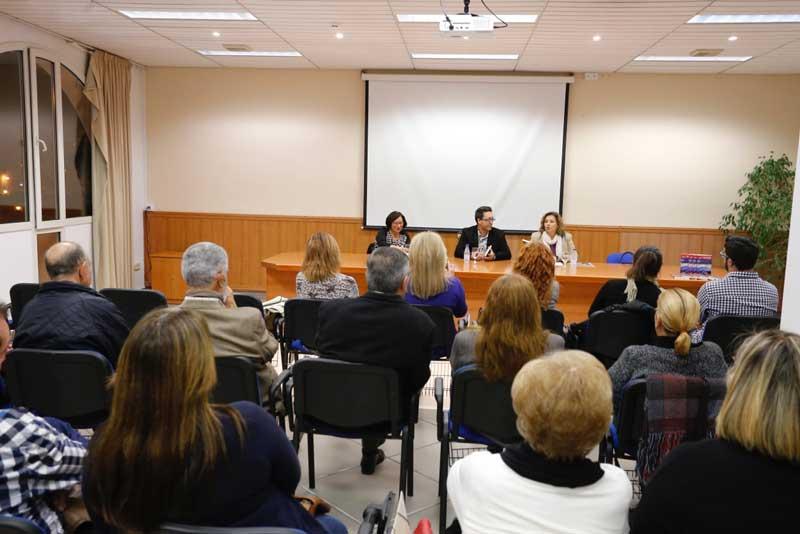 La casa de cultura acogió la presentación del último libro de Carles Cortés