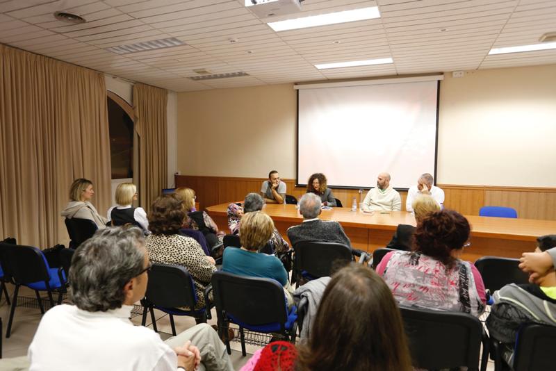 Víktor Gómez y Heriberto Morales ofrecieron un recital de poesía en la casa de cultura