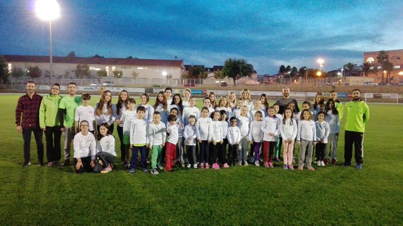 50 niños y jóvenes conforman la Escuela Municipal de Atletismo de l'Alfàs del Pi
