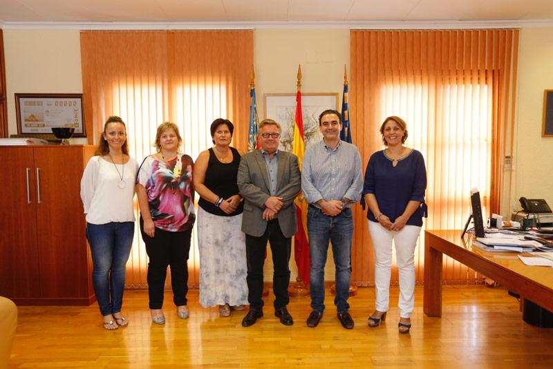 El alcalde da la bienvenida a la nueva directora de Den Norske Skole Costa Blanca