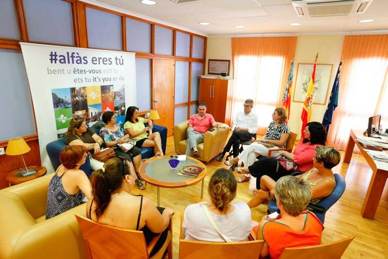 Arques se compromete a mediar de nuevo con Consellería por la Jornada Continua
