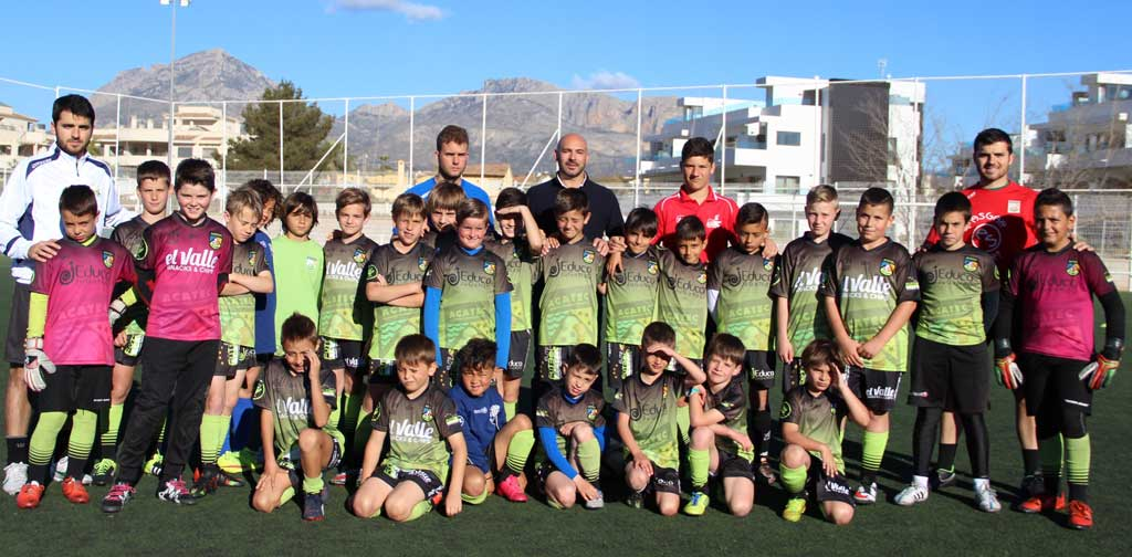 El concejal de deportes ha visitado a los jugadores del  4º campus de tecnificación que ACATEC realiza en l'Alfàs del Pi.