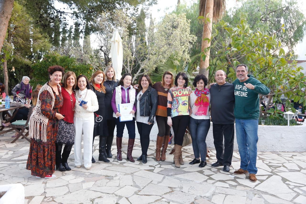 La segunda edición de GastroguíaT recauda más de mil euros para el Voluntariado Social de l'Alfàs
