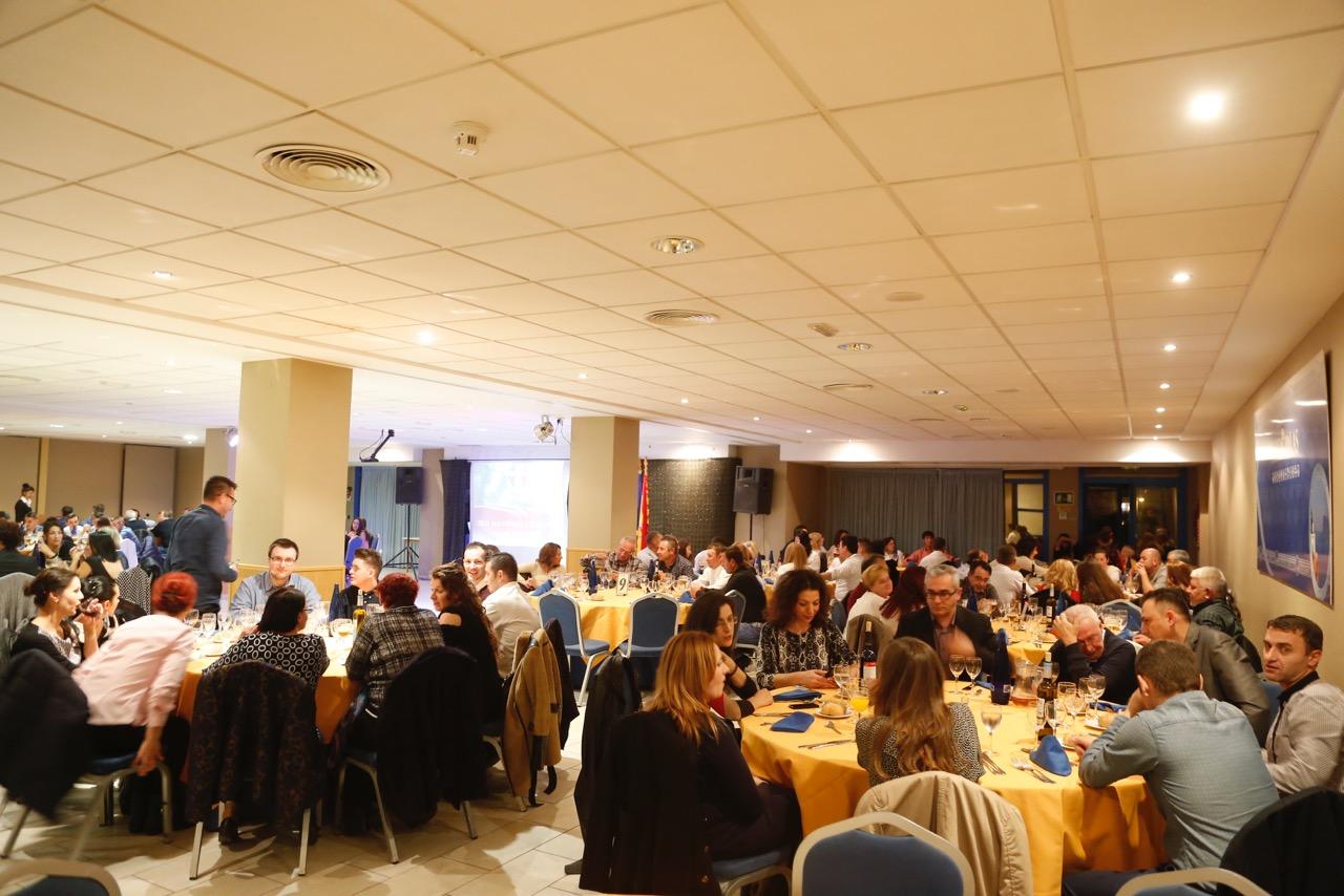 Los residentes rumanos de l'Alfàs del Pi celebran su día con una cena de hermandad