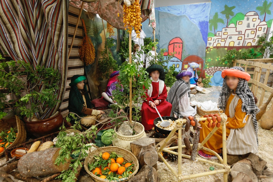 Los niños alfasinos dan la bienvenida a la Navidad con la representación de un Belén viviente
