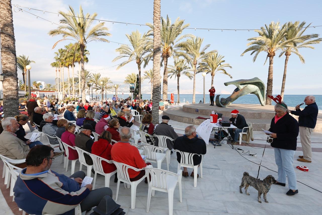 La Iglesia Anglicana Costa Blanca reúne a más de un centenar de personas para cantar villancicos en l'Albir