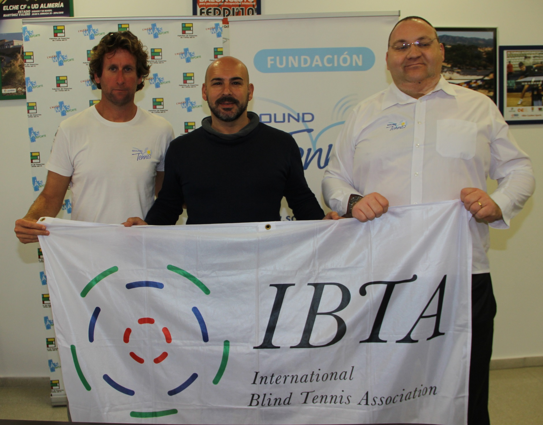 Presentado el  primer torneo internacional de Blind Tenis  para personas  discapacidad visual o ciegas.