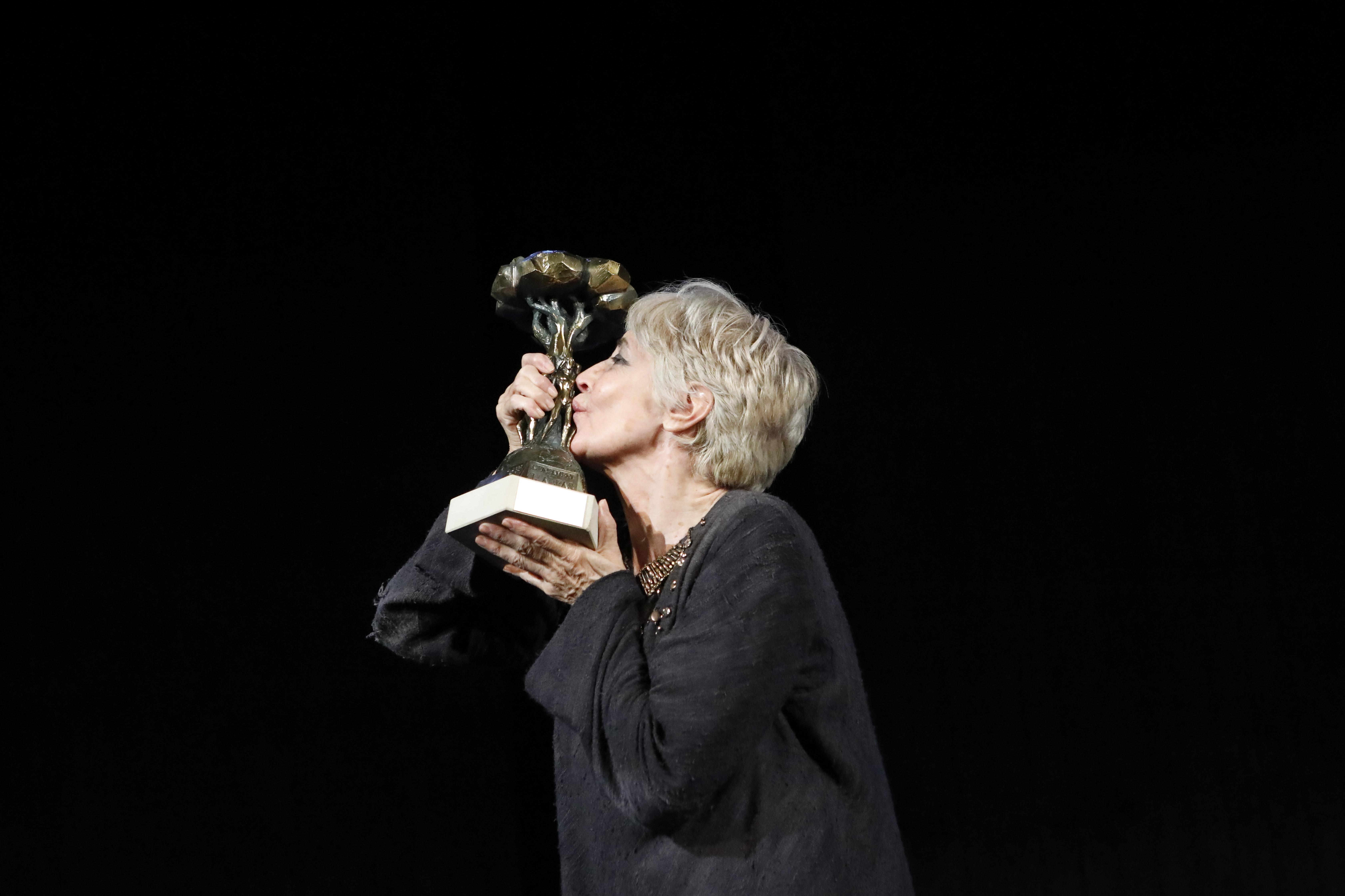 La Mostra de Teatre de l'Alfàs entrega su Pi d'Honor a la actriz Concha Velasco