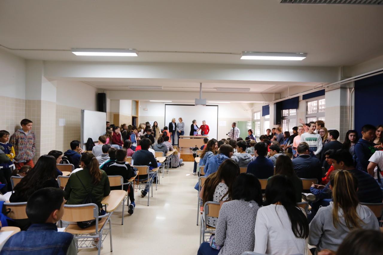 200 alumnos de las Marinas se dan cita en el IES l'Arabí con motivo de la XXVIII Olimpiada de Matemáticas