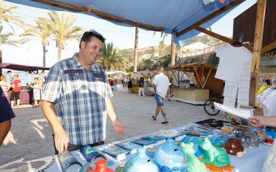 La Feria de Artesanía de la Playa del Racó de l'Albir marca el inicio de la temporada estival