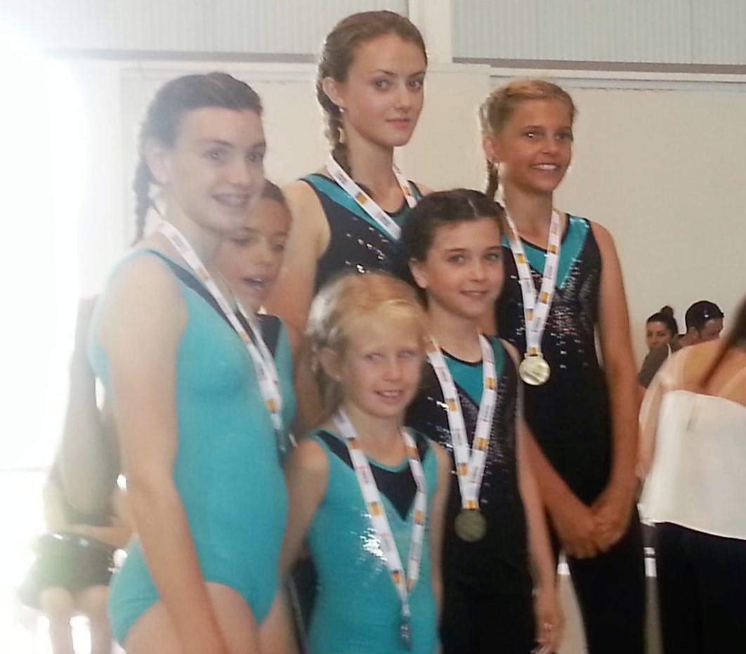 Éxito para la Gimnasia acrobática de l'Alfàs del Pi en la primera competición.