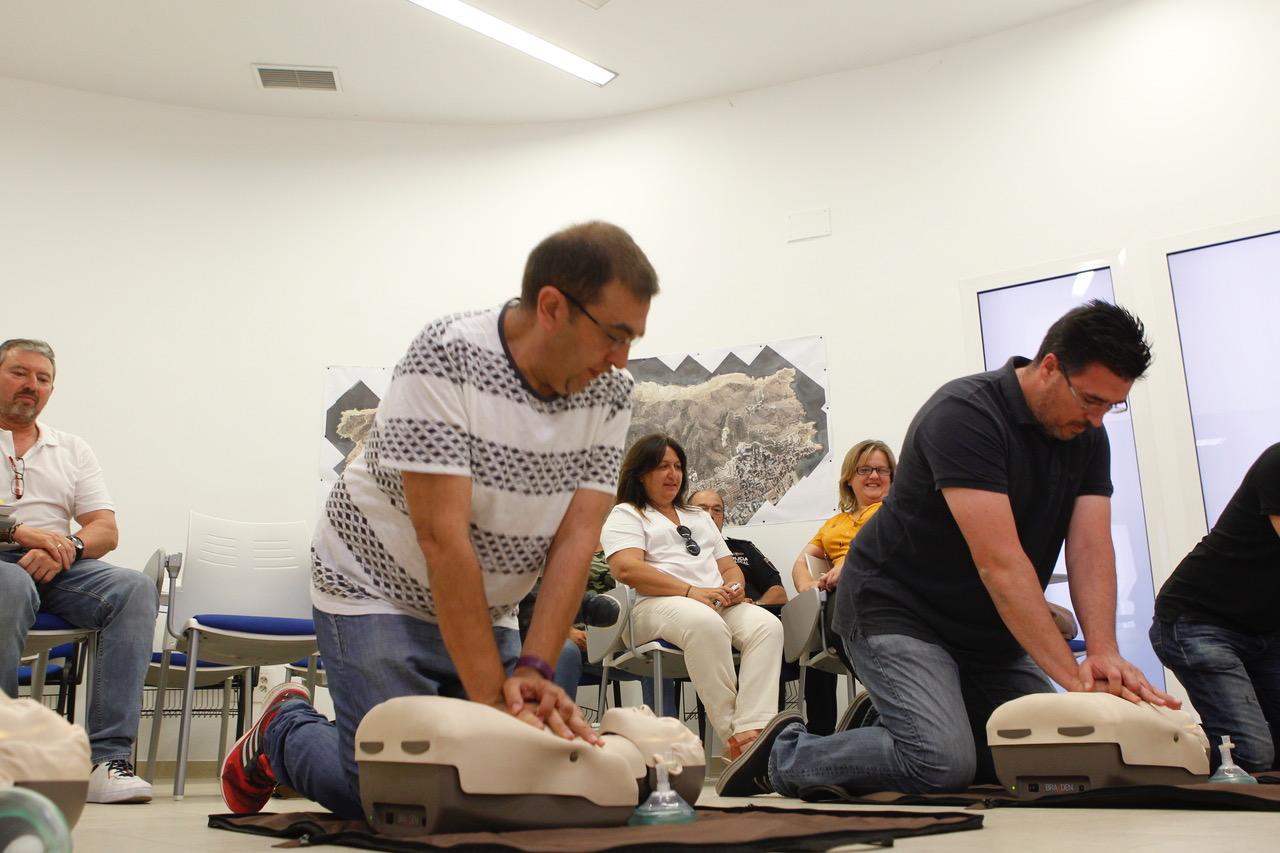 La Policía Local de l'Alfàs del Pi mejora su formación para atender situaciones de emergencia vital