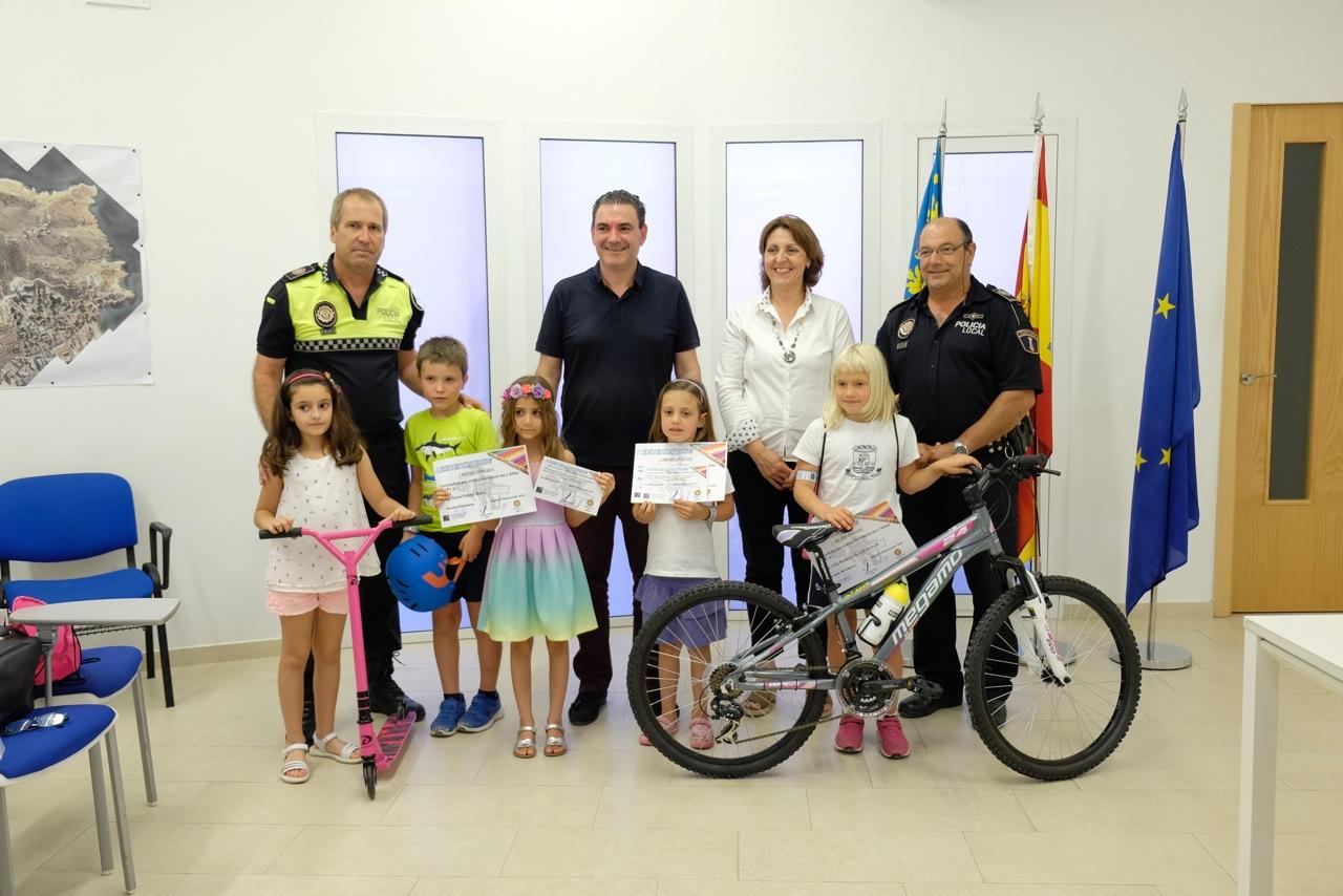Entregados los premios a los ganadores del IV Concurso de Dibujo de Educación Vial