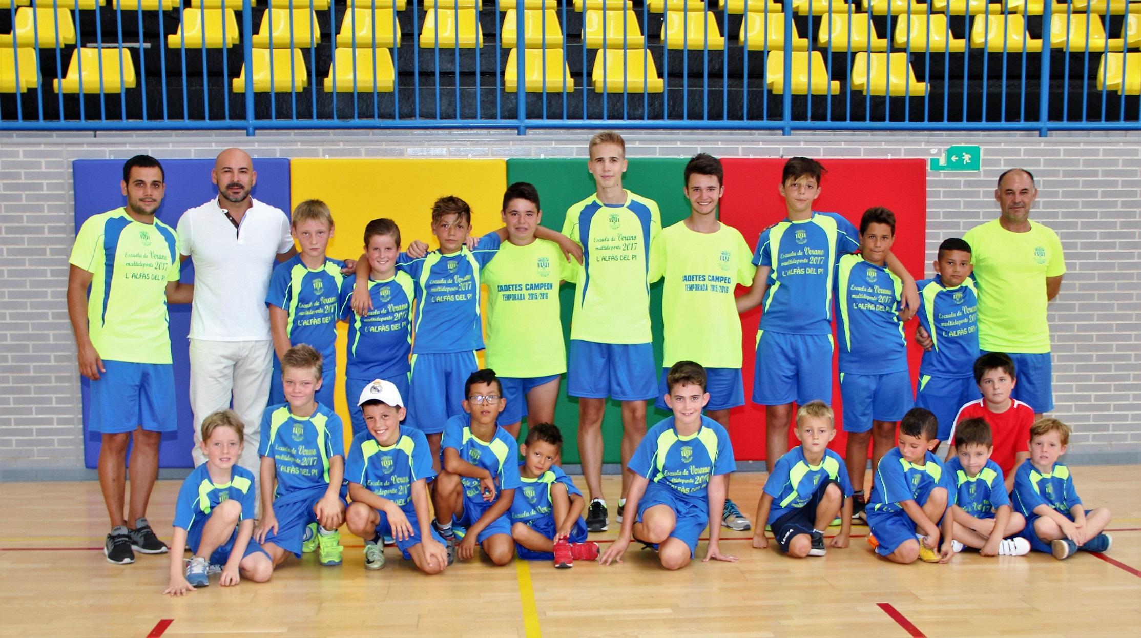 El concejal de deportes Luis Miguel Morant ha visitado a los alumnos del Campus de Multideporte