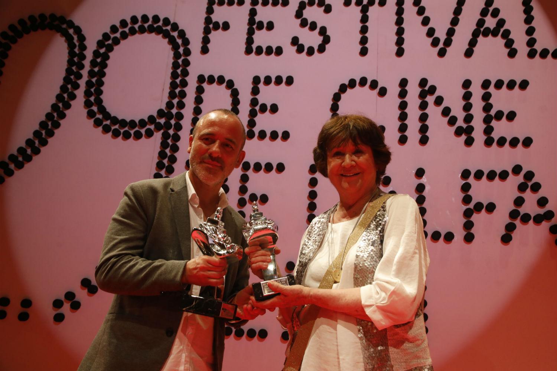 L'Alfàs del Pi vive su pasión por el cine rindiendo homenaje a Julieta Serrano y Javier Gutiérrez