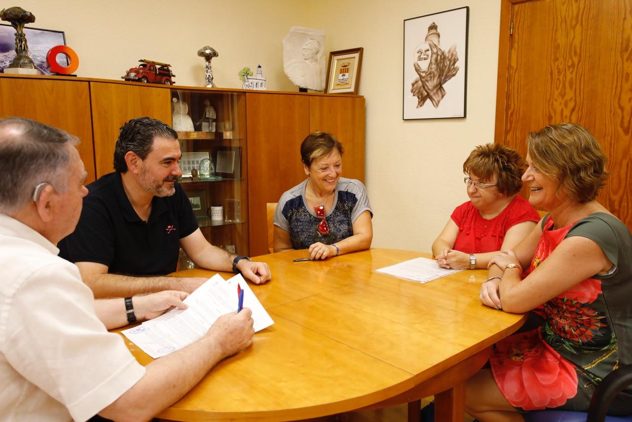 El ayuntamiento de l'Alfàs del Pi y la Asociación Anémona renuevan su convenio de colaboración
