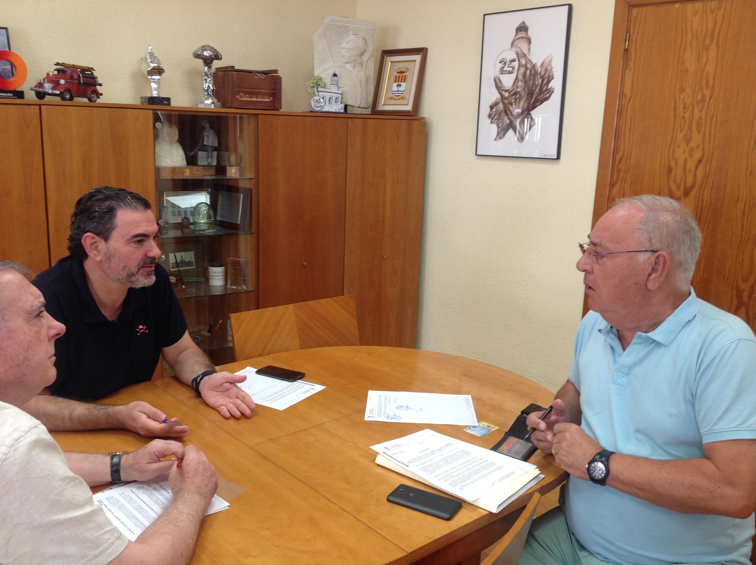 El Ayuntamiento y Cuidemos El Albir renuevan unos lazos de colaboración marcados por las actividades solidarias