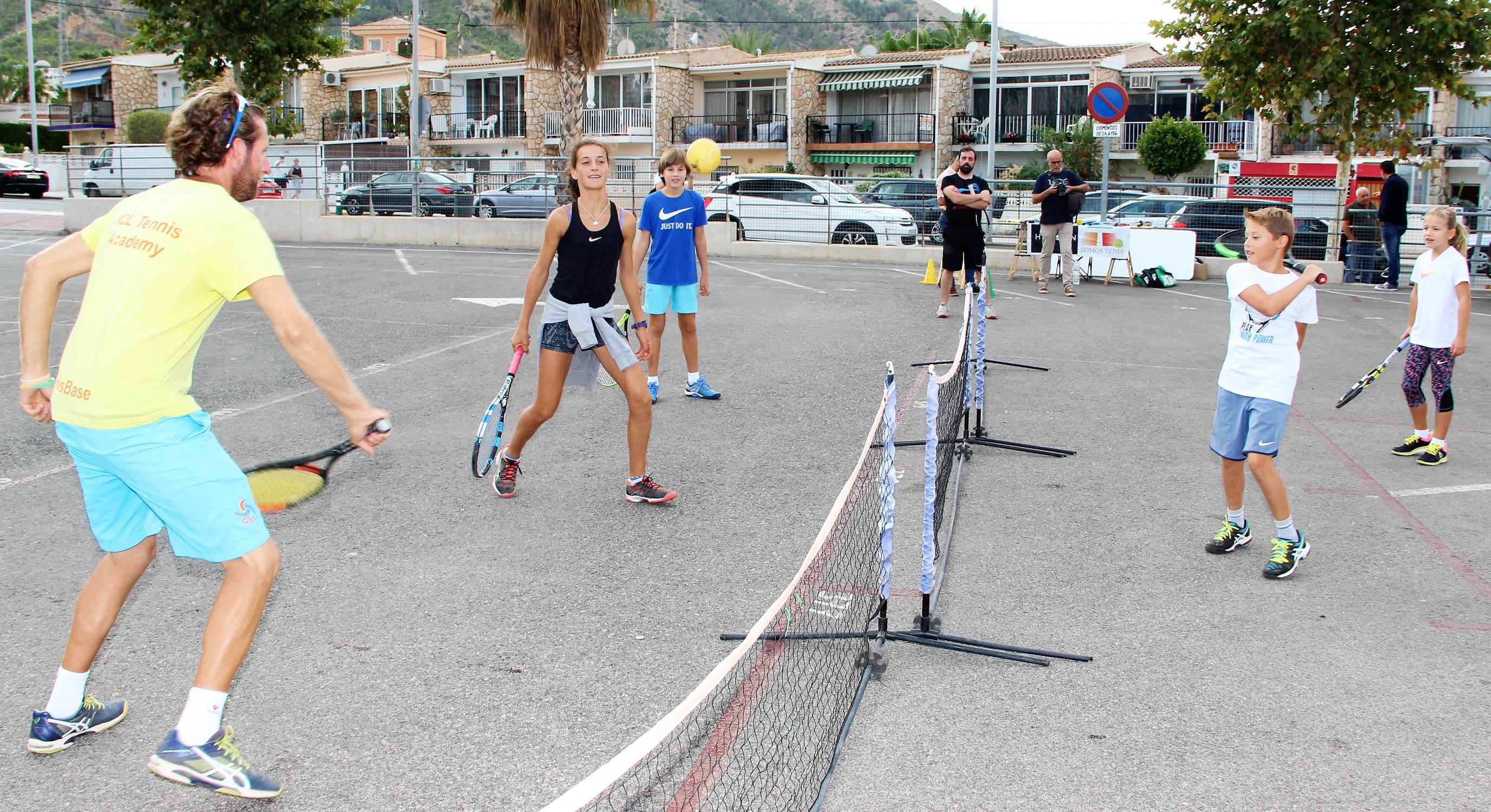 El Albir acogió una jornada de Street Tennis.