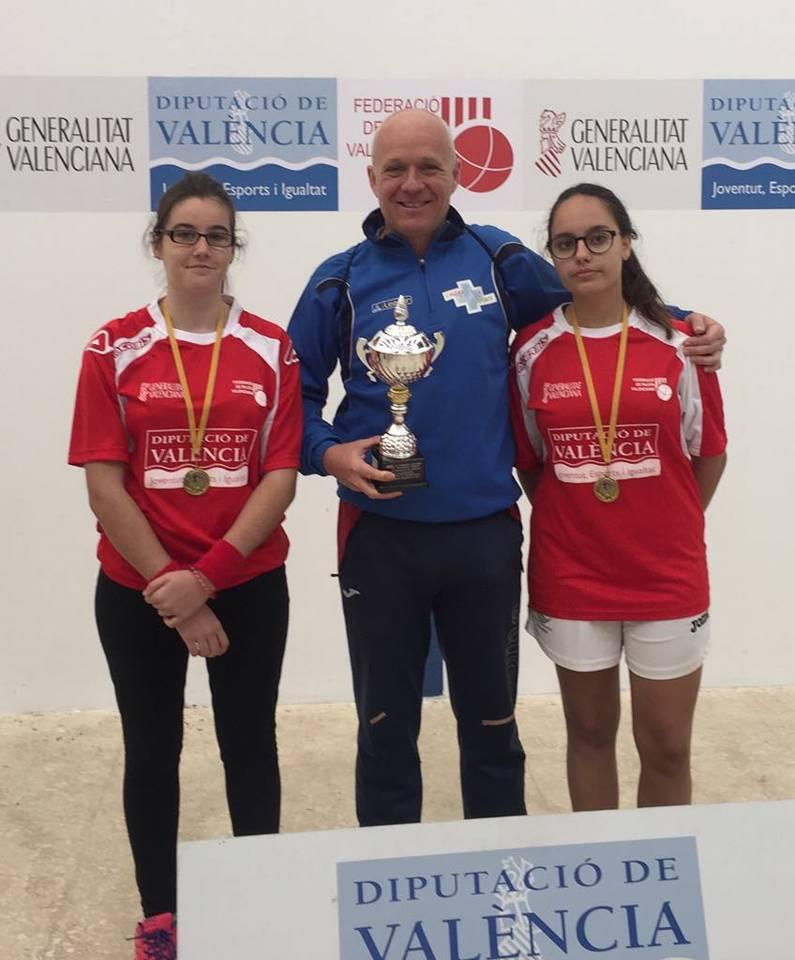 Laura Gómez y Lucía Martínez se proclaman campeonas de la Comunidad Valenciana de Raspall por parejas.