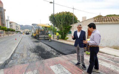 En marcha obras de adecuación y asfaltado de la Avenida del País Valencià de l'Alfàs