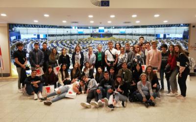 Estudiantes de l'Alfàs viajan a Bruselas por su programa pionero en mediación