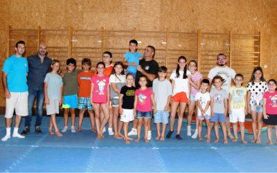 El concejal de deportes Luis Miguel Morant ha visitado a los alumnos del Campus Aikido.
