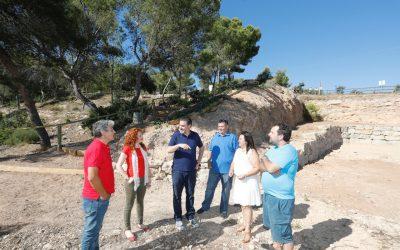 El Ayuntamiento de l'Alfàs regenera una parcela junto a la entrada al Parc Natural de Serra Gelada