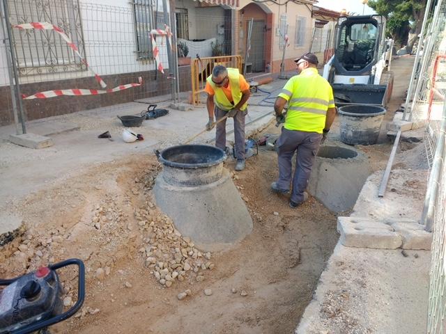 Instalación nuevos colectores en calles Oslo y Noruega de l'Alfàs