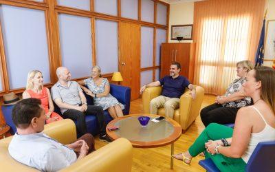 El alcalde recibe al nuevo presidente del Rotary Club de l'Alfàs del Pi
