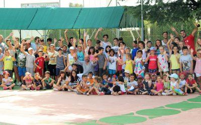 El concejal de deportes ha visitado el XI campus de verano de l'Alfàs del Sol.