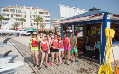 El Ayuntamiento de l'Alfàs organiza una salida en kayak para los jóvenes de APSA