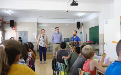 Los niños y niñas de l'Alfàs se divierten en l'Escola d'estiu