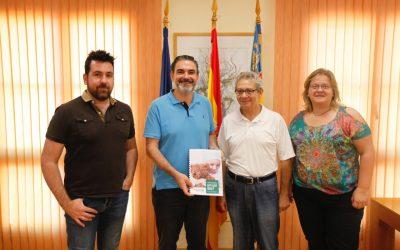 El Ayuntamiento de l'Alfàs renueva su colaboración con la Asociación de Padres de Niños con Cáncer