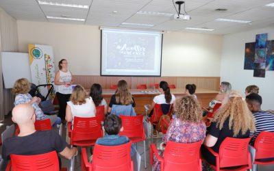 La asociación GAIA informa a las familias de l'Alfàs sobre el programa de acogimiento familiar