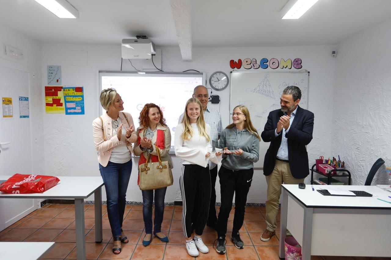 Dos alumnas noruegas de l'Albir, premiadas por su iniciativa medioambiental