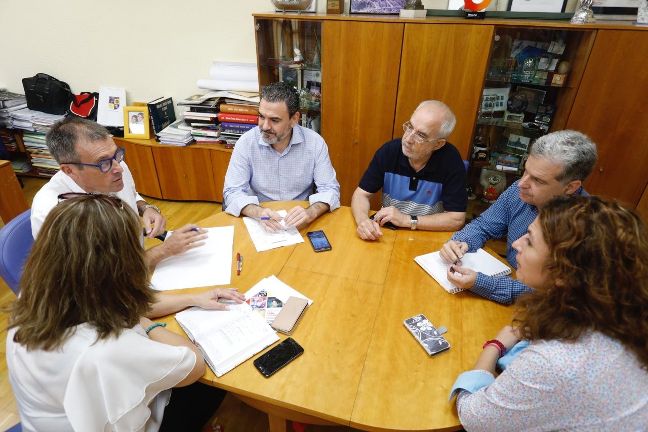 El Ayuntamiento de l'Alfàs y el CEFIRE colaborarán en proyectos innovadores para el profesorado