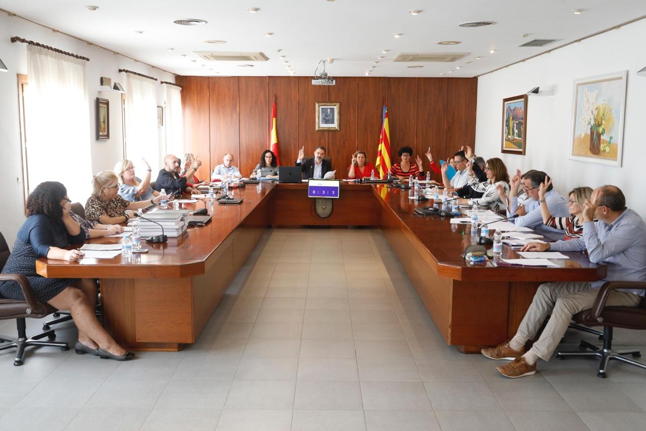 L'Alfàs pide un acuerdo bilateral entre España y Reino Unido para paliar los efectos del Brexit
