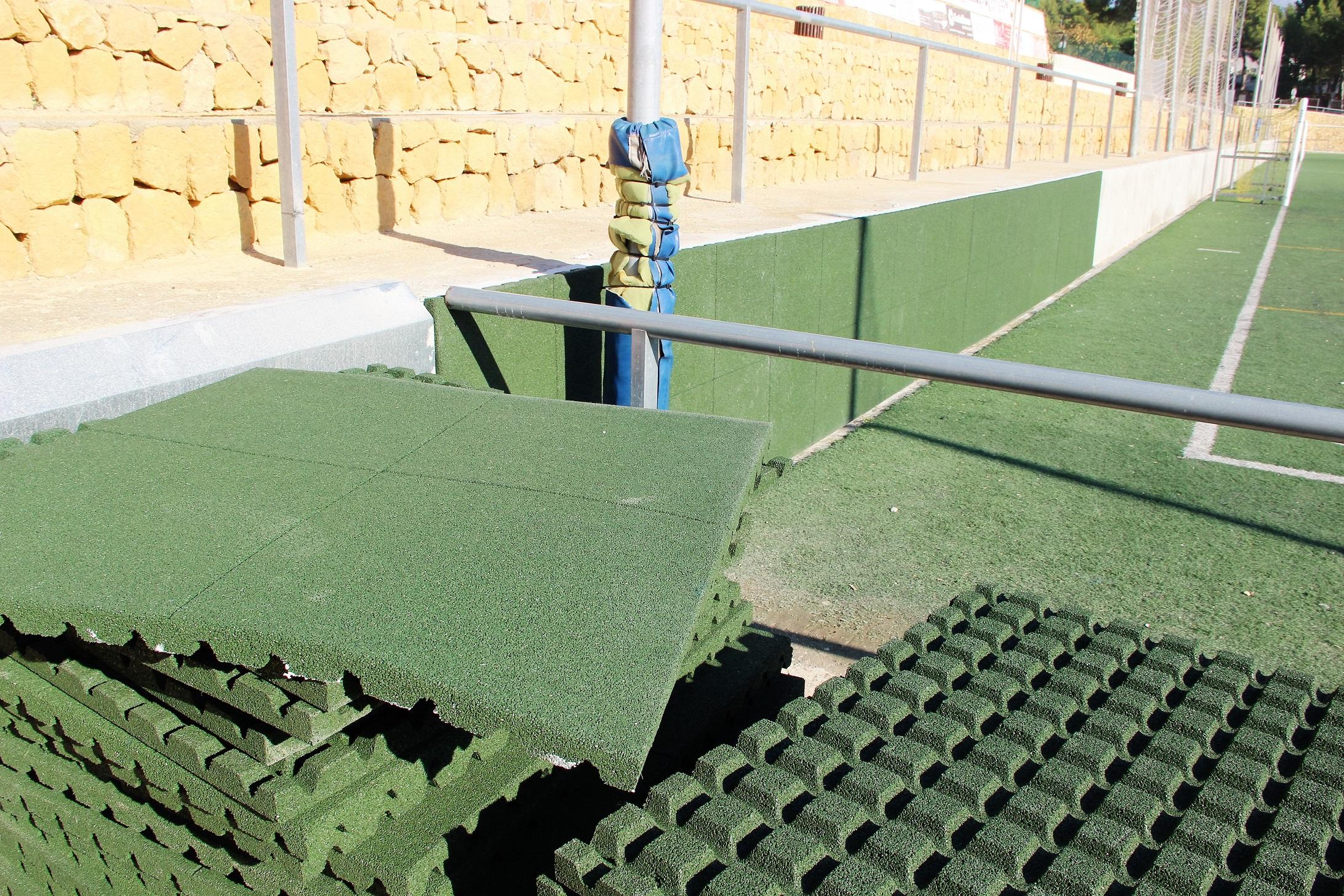 Las obras  de mejora del Campo de fútbol anexo entran en la recta final.