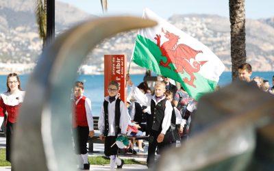 Un premiado grupo de danzas galesas visita l'Alfàs en una gira solidaria