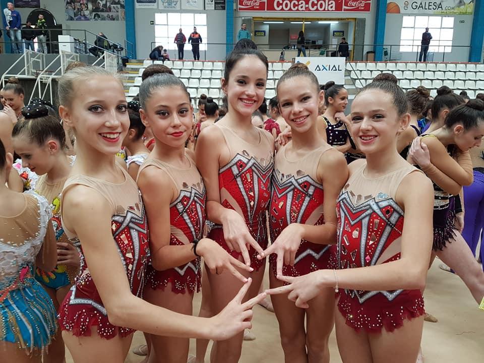 El Club primavera de Gimnasia rítmica se ha clasificado para el campeonato nacional de conjuntos.