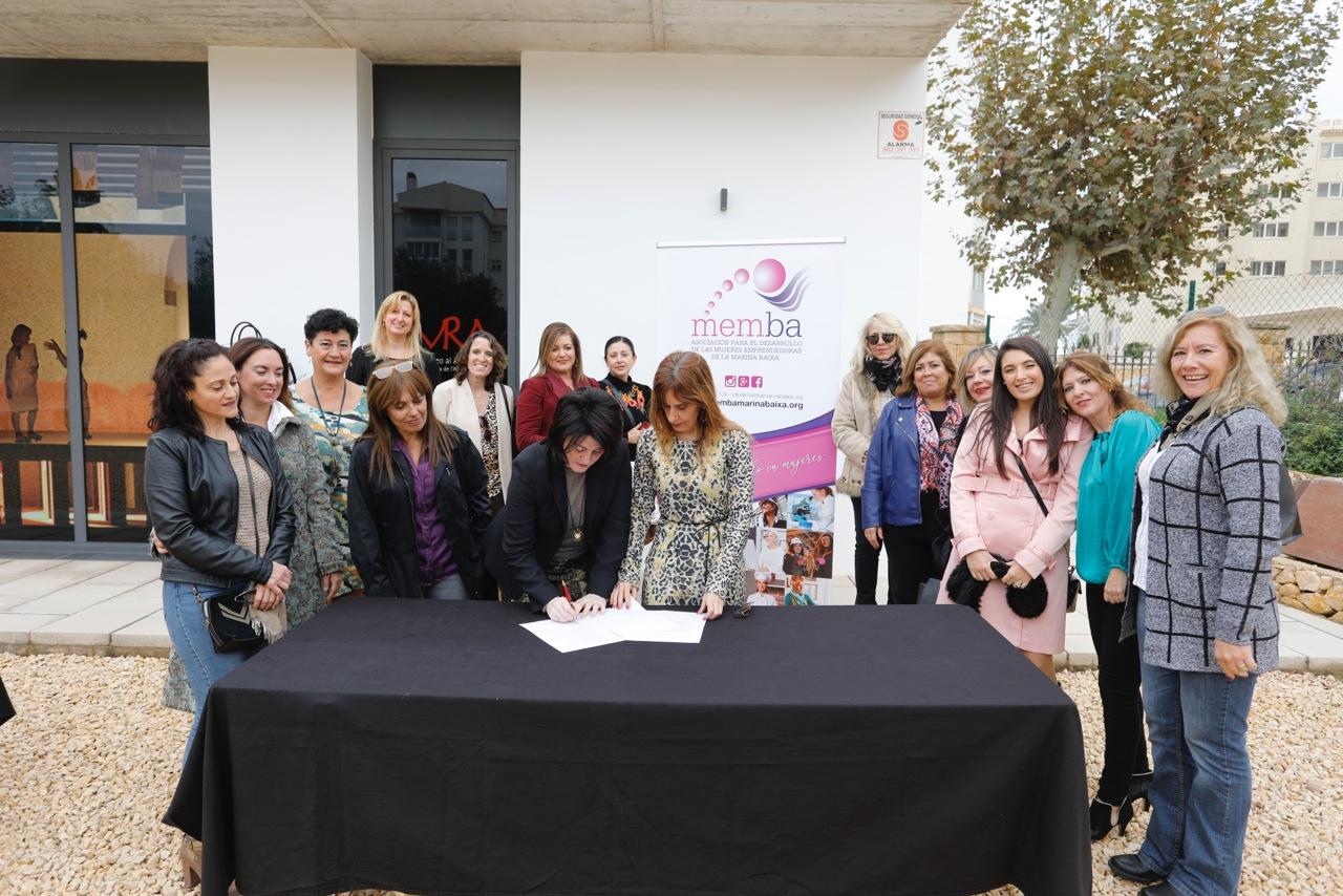 Unidos 8 de Marzo y Memba firman en l'Alfàs un convenio de colaboración