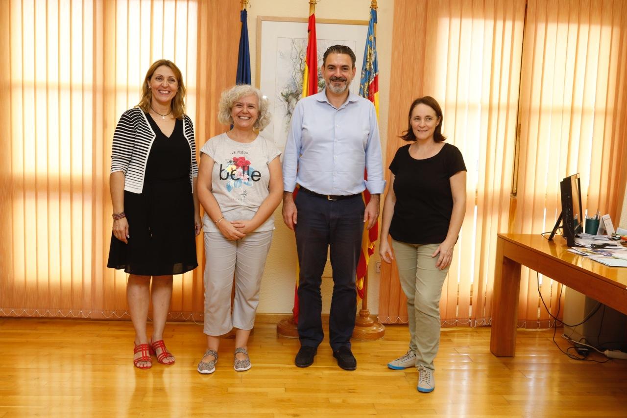 El Ayuntamiento de l'Alfàs respalda a la Coordinadora per l'Ensenyament en Valencià de la Marina Baixa