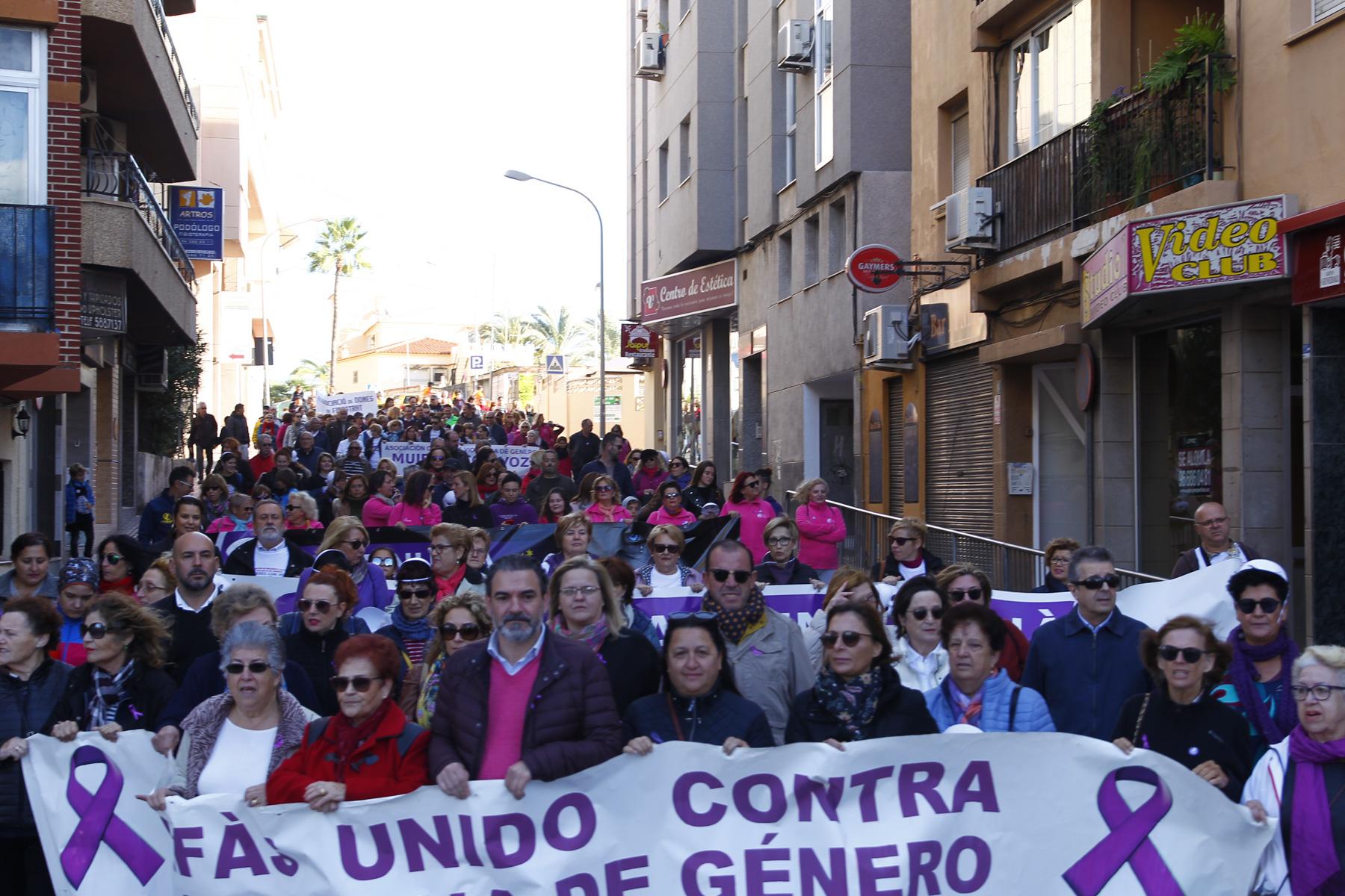 La Marina Baixa se une contra la violencia de género