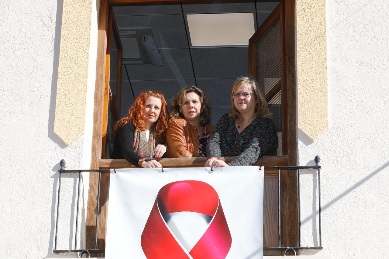 El Ayuntamiento de l'Alfàs conmemora el Día Mundial de la lucha contra el Sida