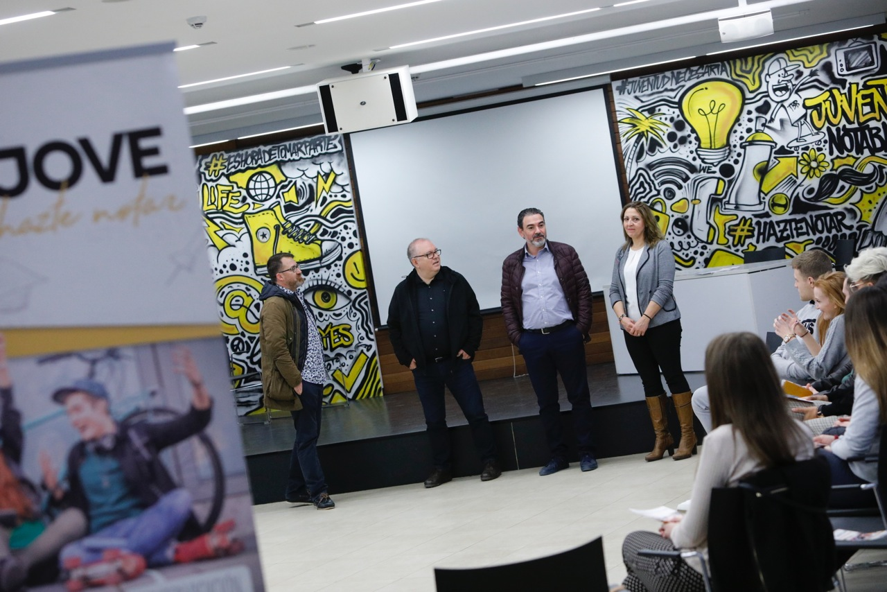 El IVAJ presenta en l'Alfàs del Pi una iniciativa para fomentar la participación juvenil