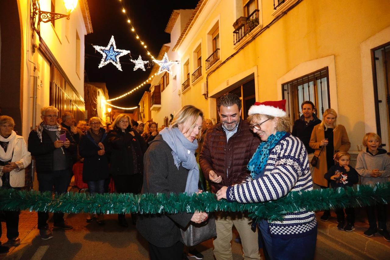 La comunidad noruega estrena la Navidad en l'Alfàs del Pi