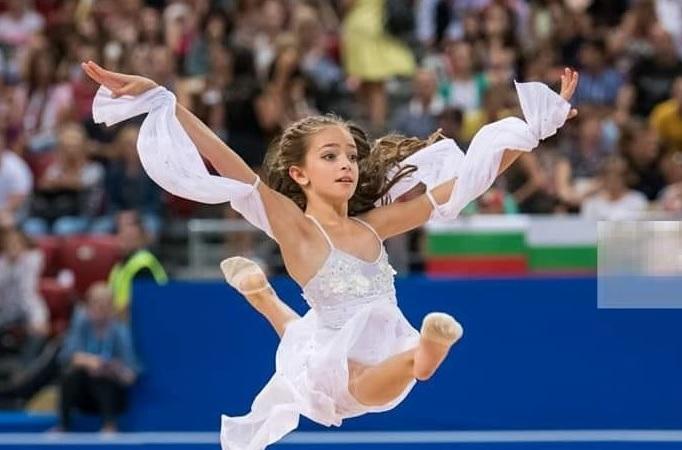 Elena  Nikolova volvió a ser convocada para las pruebas de tecnificación de la Federación Valenciana de Gimnasia Rítmica.